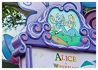Disneyland Resort - Fantasyland - Alice in Wonderland