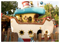 Disneyland Resort - Mickey's Toontown - Donald's Boat